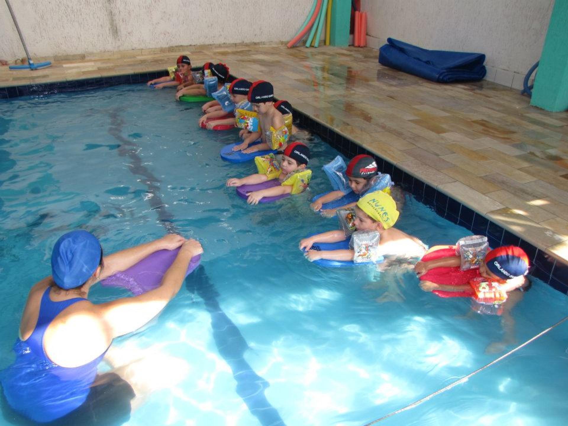 Esportes - Aulas de Natação para os alunos a partir dos 3 anos de idade